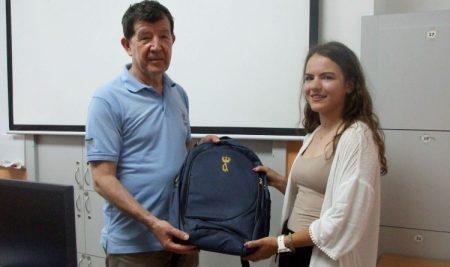 Краљевска похвалница за ученицу генерације Рачунарске гимназије